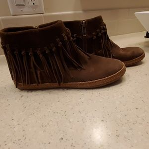 UGG size 6 ankle boots